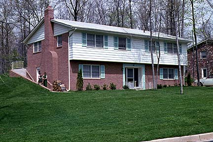 house3.jpg (78125 bytes)